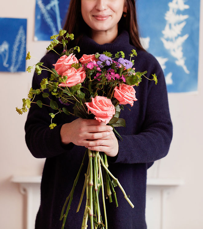 Bloom & Wild's TOP TIPS for arranging flowers